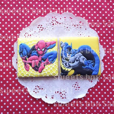 スパイダーマンとバットマンのアイシングクッキー3