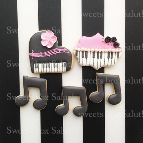 ピアノ好きな女の子のお誕生日用アイシングクッキー1