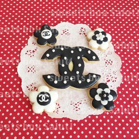 シャネルモチーフのお誕生日用アイシングクッキー2