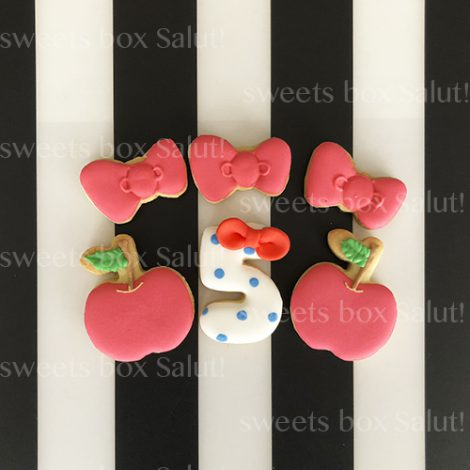 Hello Kitty / ハローキティ の誕生日用アイシングクッキー2