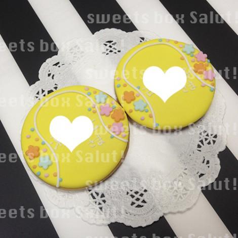 テニスボールモチーフの結婚式席札用アイシングクッキー