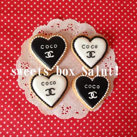 結婚お祝いにシャネルモチーフのアイシングクッキー2