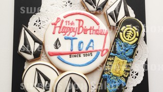 スケボーブランドのお誕生日用アイシングクッキー