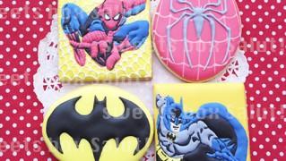 スパイダーマンとバットマンのアイシングクッキー