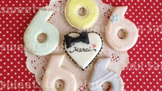 ネイルサロン6周年記念品のアイシングクッキー