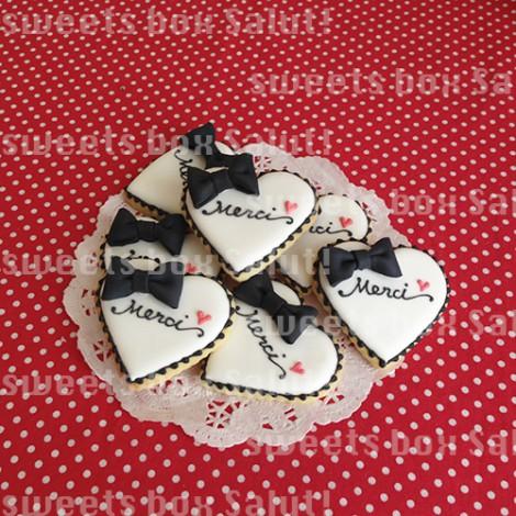 ネイルサロン6周年記念品のアイシングクッキー2