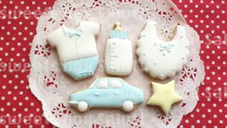 Babyboy赤ちゃんのお祝い用アイシングクッキー