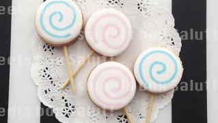 棒付きキャンディーのアイシングクッキー