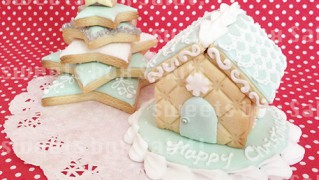アイシングクッキーで作るクリスマスツリーとミニへクセンハウス