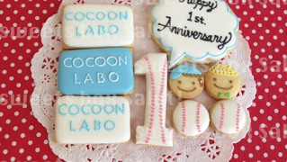 創業1周年記念のアイシングクッキー