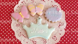 人気!かわいい王冠のアイシングクッキー