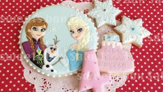 アナと雪の女王のお誕生日用アイシングクッキー