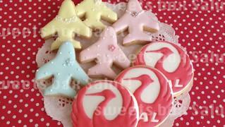 JAL鶴丸マークとアクセサリープレーンズのアイシングクッキー