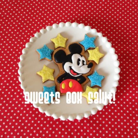 ミッキーマウスのアイシングクッキー