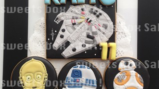 「STAR WARS」のお誕生日用アイシングクッキー